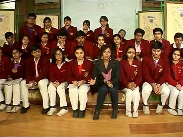 Video : From India With Love: Indian Students Reach Out to Peshawar