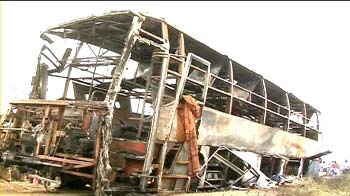 Video : Tamil Nadu: 7 dead in bus, fuel tanker collision