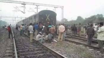 Video : Orissa: 7 injured as goods, passenger train collide