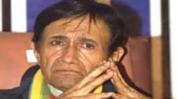 Video : Fans mourn Dev Anand's death