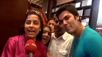 Video : Fans, stars wish Rajinikanth on his birthday