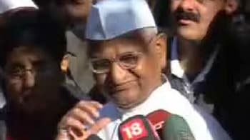 Video : If weather is nice, will fast in Delhi, else in Mumbai: Anna