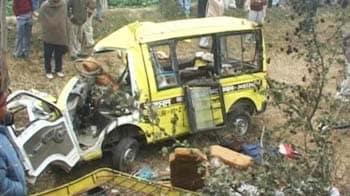 Video : 11 children die in school bus accident in Ambala