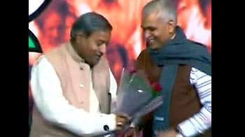 Video : BJP divided over induction of 'tainted' leaders