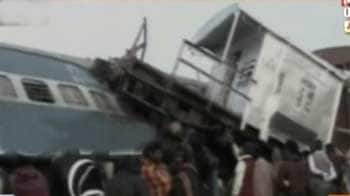 Video : Train collision in Jharkhand: 5 killed, 9 injured
