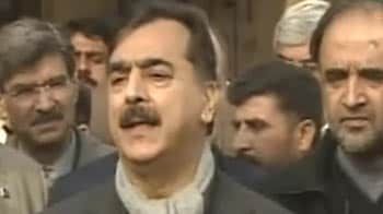 Video : Pak gears up for crucial Monday; Zardari, Gilani's fate to be decided
