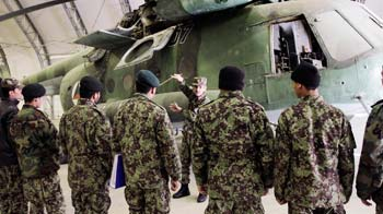 Video : Afghan air force learns to fly and fix aircraft
