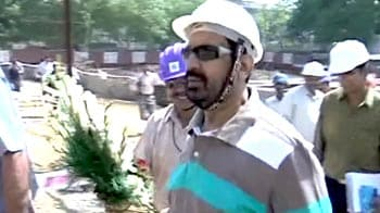 Video : CWG scam: Suresh Kalmadi gets bail, could leave Tihar Jail today