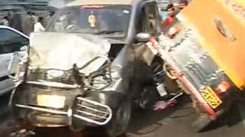 Video : Pune bus driver hits 40 vehicles, 9 dead