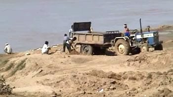 Video : Illegal mining flourishes in Madhya Pradesh, even after IPS officer's murder