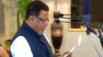 Video : Mukul Roy sworn-in as new Railways Minister