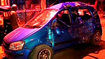 Video : 18-year-old girl dies after speeding car rams into an auto in Mumbai