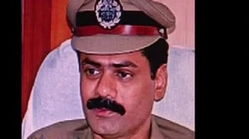 Video : High Court objects to transfer of IPS officer who was probing liquor mafia