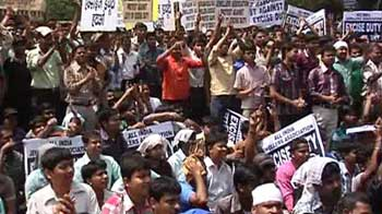 Video : Jewellers' protests enter day 20; will Govt roll back gold duty hike?