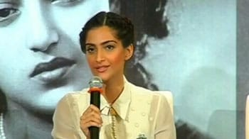 Video : Meet geek-chic Sonam