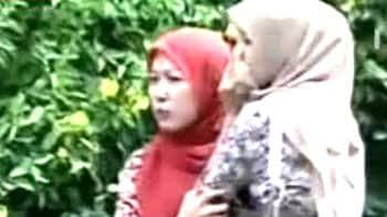 Video : After Indonesia quake, tsunami alert; tremors in India