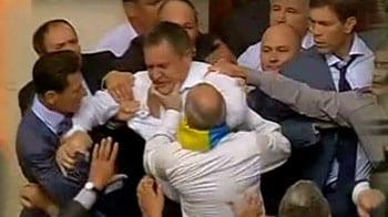 Video : Brawl in Ukraine Parliament