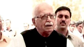 Video : Govt's handling of presidential polls clumsy: Advani