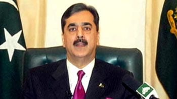 Video : Pakistan Supreme Court disqualifies Gilani as Prime Minister