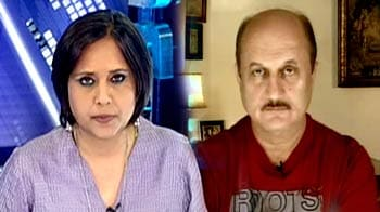 Video : Anna and the media: From compatriots to antagonists?