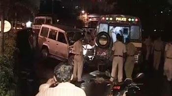 Video : Five Mumbai cops run over by a speeding Tata Sumo car, driver detained