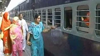 Video : पाकिस्तान से भाग रहे हैं हिन्दू