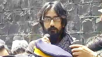 Video : कार्टूनिस्ट असीम जेल से रिहा, बोले लड़ाई जारी रहेगी