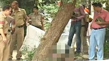 Video : Delhi shooting: She tried to hide behind cars till gunman caught her