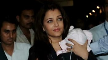 Video : Ash, Aaradhya head to Chicago to meet Abhishek