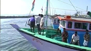 Video : Kudankulam protests: Fishermen lay siege to Tuticorin port