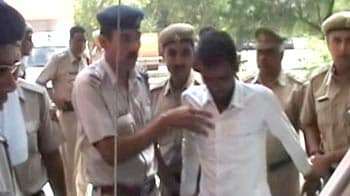 Video : Hisar Dalit gangrape case: One arrested, cops hunt for 11 other accused