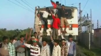 Video : Three Rajdhani trains stopped for hours by BJP leader in Jharkhand