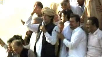 Video : Pak blocks Imran Khan's anti-US rally from entering tribal area