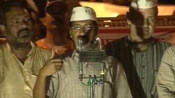 Video : Kejriwal to produce more evidence against Khurshid today