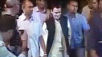 Video : सैफ-करीना के रिसेप्शन में हस्तियों का जमावड़ा