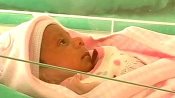 Video : Rickshaw puller's baby much better now, they head home from hospital