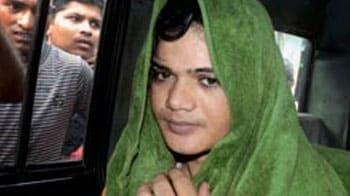 Video : Cops driving me to suicide: Pinki Pramanik