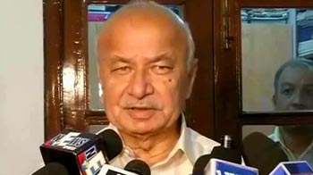 Video : Bal Thackeray used to fight for his party: Sushilkumar Shinde