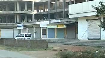 Video : Facebook arrests: Schools, markets shut for Shiv Sena bandh in Palghar today