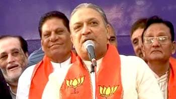 Video : गुजरात : कांग्रेस के नरहरि अमीन हुए बीजेपी में शामिल