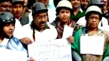 Video : Congress' way of dealing with clashes in Bengal Assembly: Lawmakers wear helmets