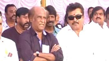 Video : Rajinikanth joins hunger strike against service tax