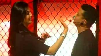 Shilpa Shetty gives self defence lessons