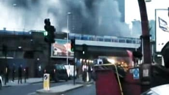 Video : Helicopter crashes into crane on London tower, kills two