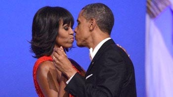 Video : Barack Obama and wife Michelle dance together at the inauguration ball