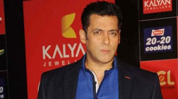 Video : Have every intention of watching <i>Vishwaroopam</i>: Salman