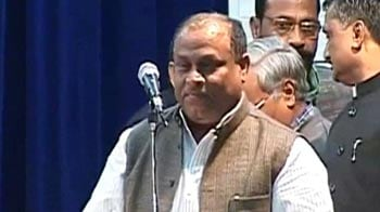 Video : Akhilesh reinducts minister benched for abducting govt doctor