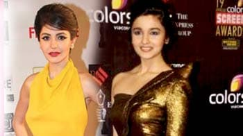 Video : Bollywood divas dare to be different at red carpet