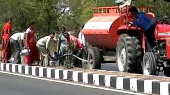 Video : Maharashtra: Begging for water