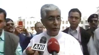 Video : Red, Red, Red for Tripura. Manik Sarkar gives Left massive win